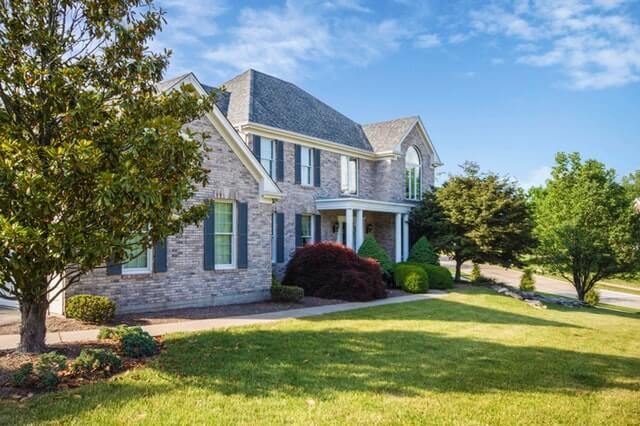 sell-your-home-house-grass