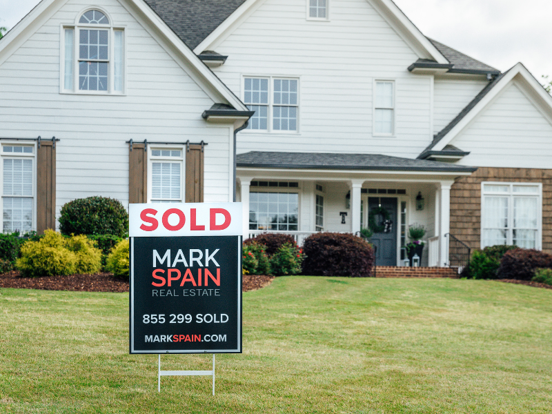 Sell Your Home Through a Traditional Market Listing